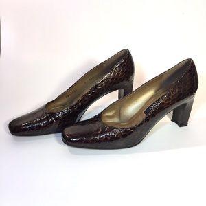 Stuart Weitzman 9 AAA Croc Embossed Patent Leather